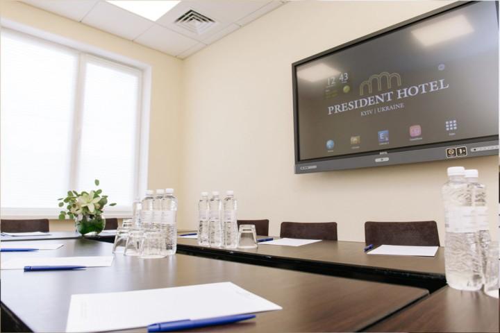 Переговорні кімнати